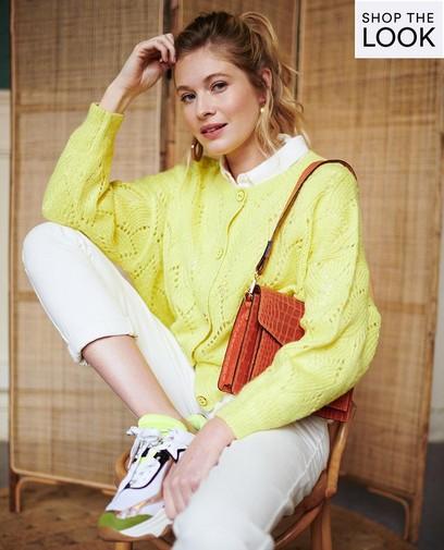 Coloré en jaune